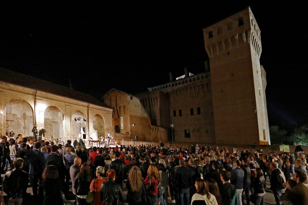 Vignola Piazza dei Contrari Poesia Festival '16